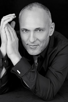 Eric Del Monaco Official Hair Artist and Colourist for L'Oréal Paris in Canada