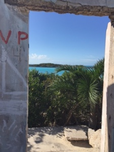 An (abandoned) room with a view, Allan Cay, Bahamas